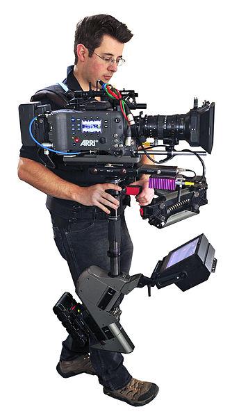 357px-Steadicam_Operator_John_Fry_with_Master_Steadicam_&_Arri_Alexa_camera